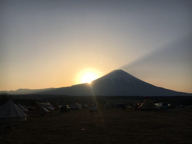 ふもとっぱらキャンプ場の朝焼け