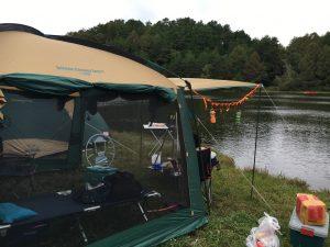 千代田湖キャンプ場の湖畔