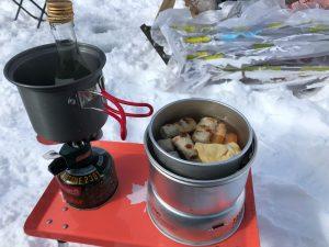 ストームクッカーを雪中で使う