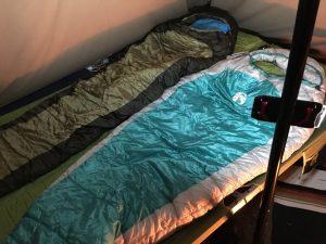 コットでベッドを作る