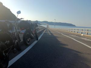 角島大橋とバイク