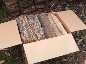 針葉樹の薪の皮