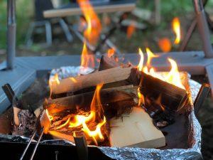 焚き火の炎