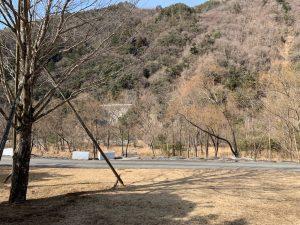 早川町オートキャンプ場の区画サイト