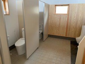 陣馬形山キャンプ場のトイレ①