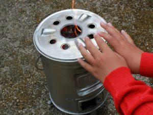 缶ストーブの炎