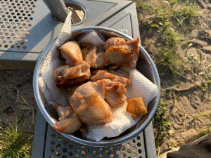 別のお皿に移した鶏肉